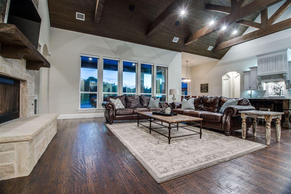 Stunning single story Custom home luxury properties