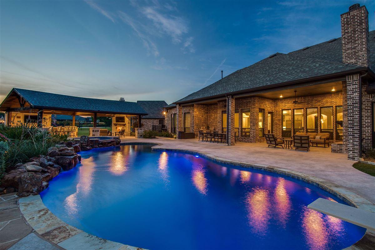 Luxury homes Stunning single story Custom home