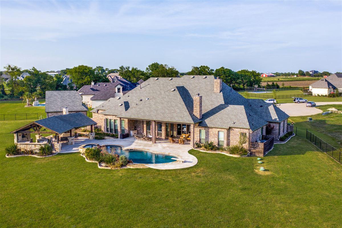 Luxury properties Stunning single story Custom home