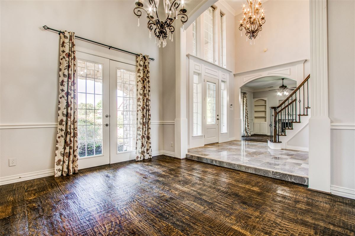 Welcome home in desirable River Oaks  luxury homes