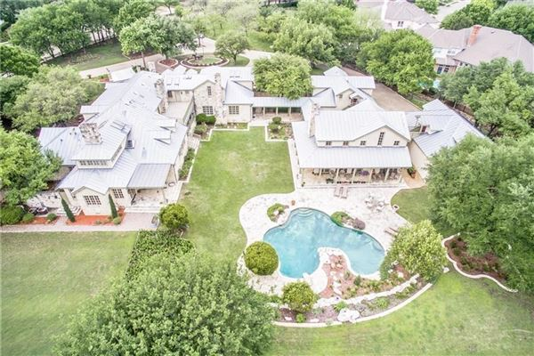 Mansions TRUE TEXAS STYLE RANCH
