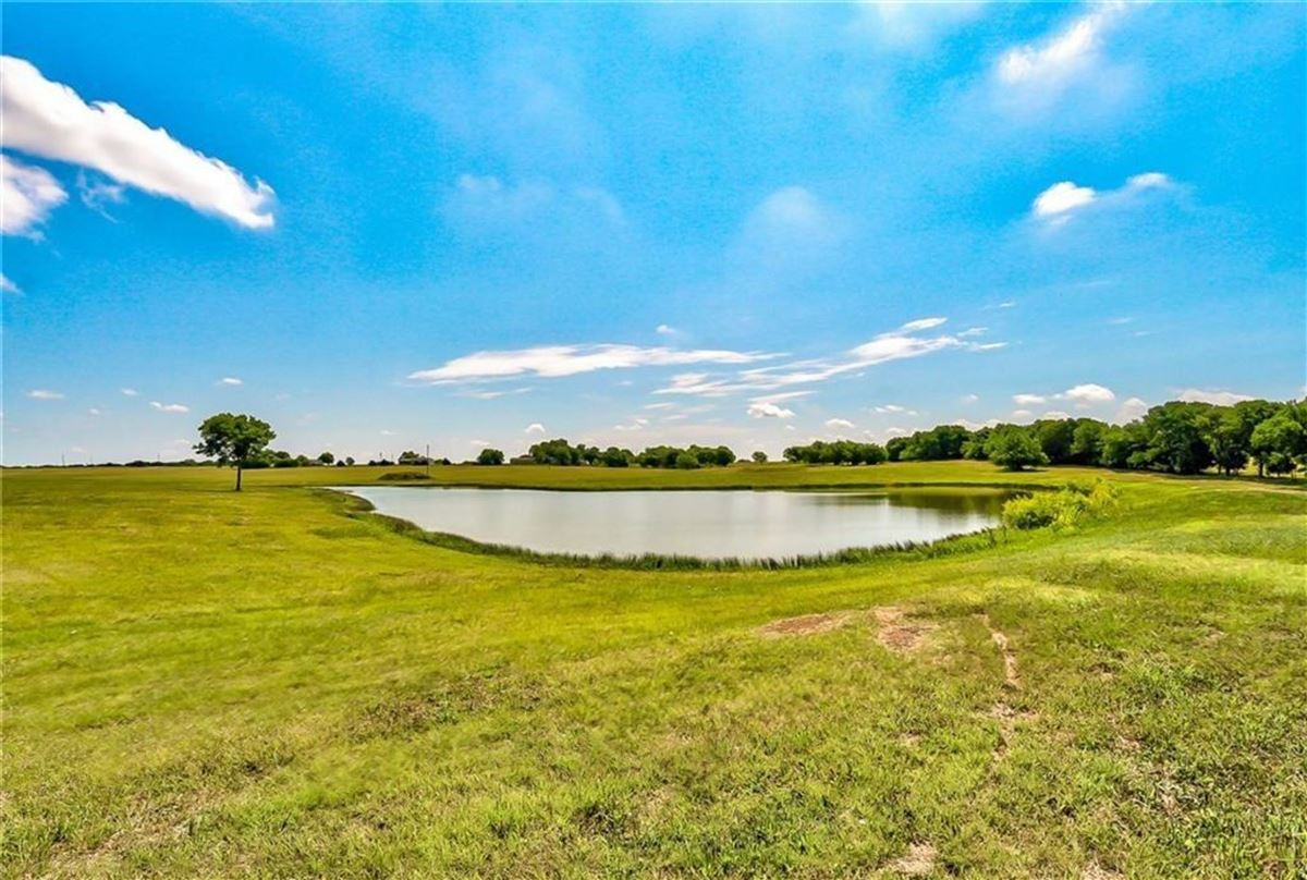 Luxury homes Gorgeous and lovingly cared for 50 acre ranch