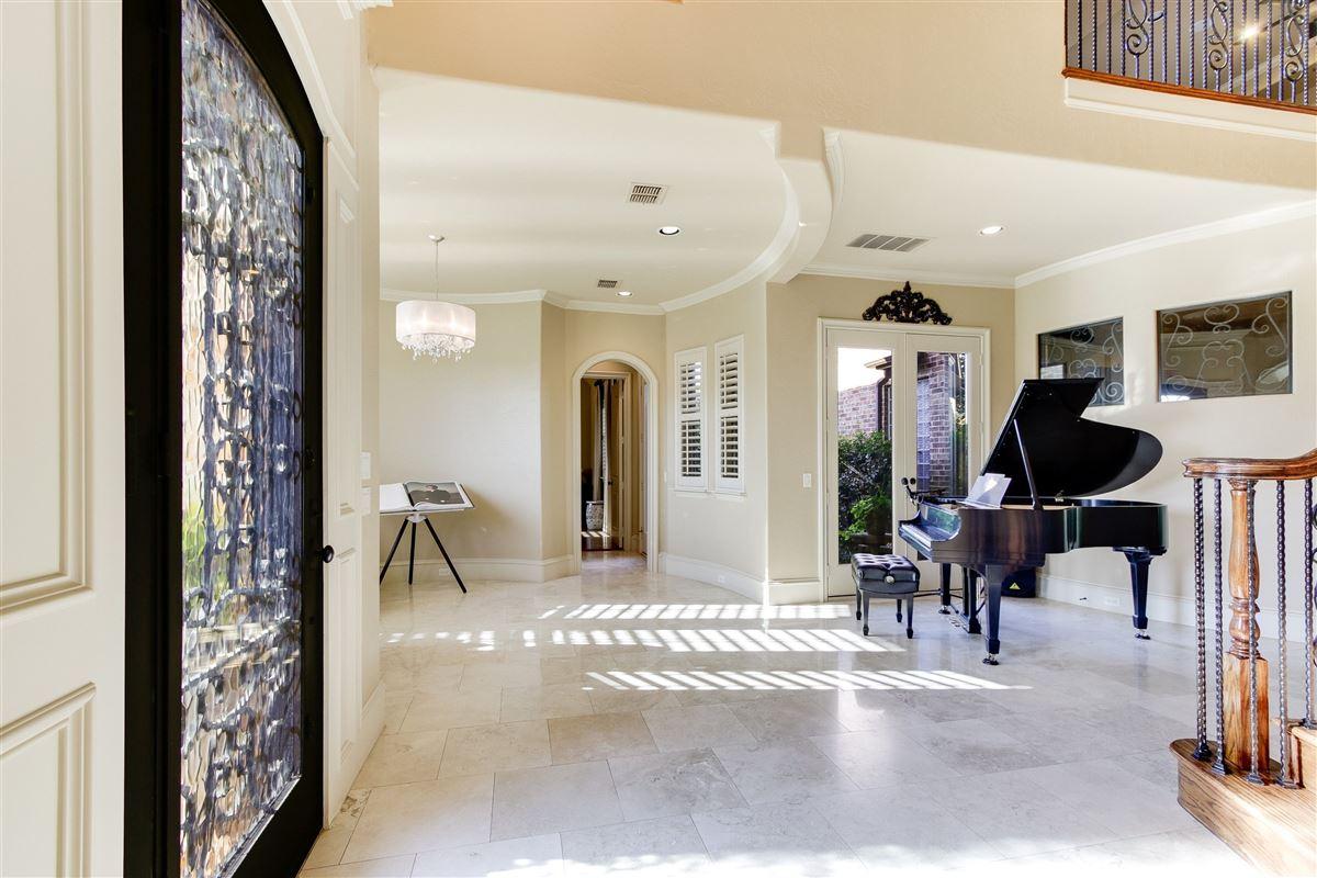 VACATION BACKYARD OASIS luxury real estate