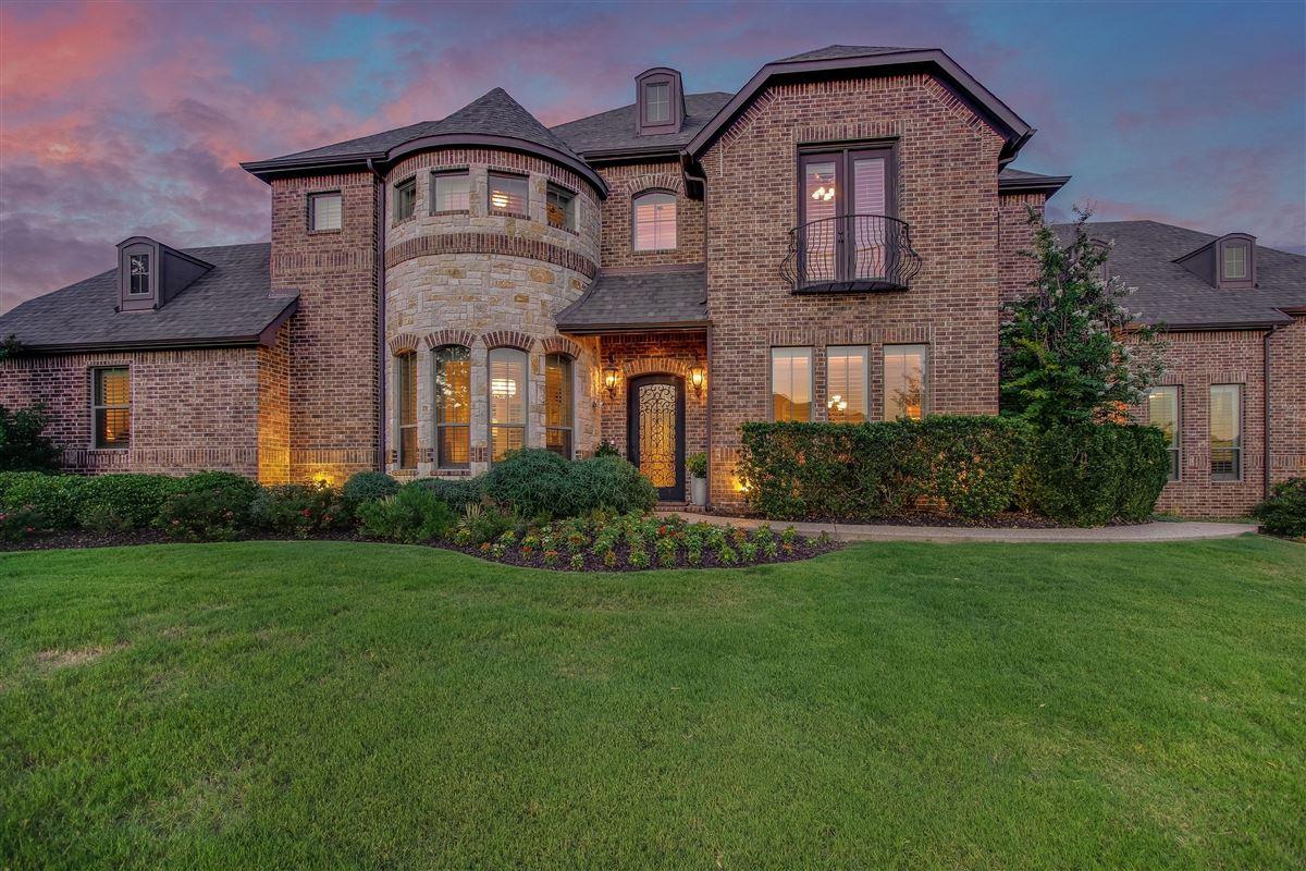 Luxury homes VACATION BACKYARD OASIS