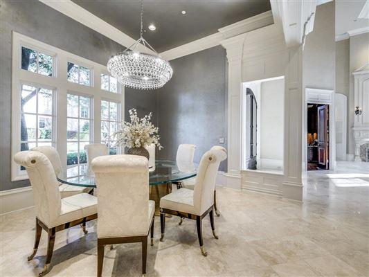 luxury property with panoramic views luxury properties