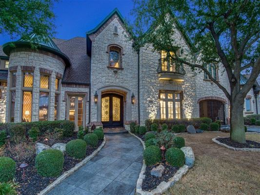 Luxury homes luxury property with panoramic views