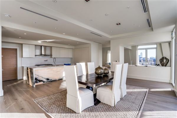 Mansions in NEW CONSTRUCTION PENTHOUSE IN THE LUXURY VENDOME HIGH-RISE