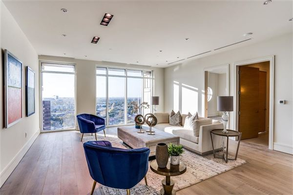 Mansions NEW CONSTRUCTION PENTHOUSE IN THE LUXURY VENDOME HIGH-RISE