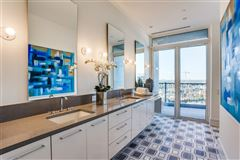 Luxury properties NEW CONSTRUCTION PENTHOUSE IN THE LUXURY VENDOME HIGH-RISE