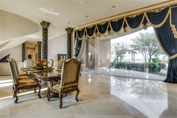 Luxury properties Chateau Montclair - one of the largest homes in texas