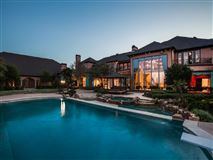 Mansions Chateau Montclair - one of the largest homes in texas