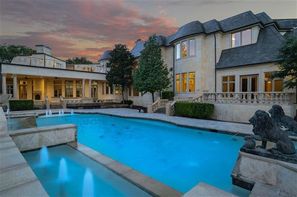 Luxury real estate magnificent estate on Willow Bend Drive