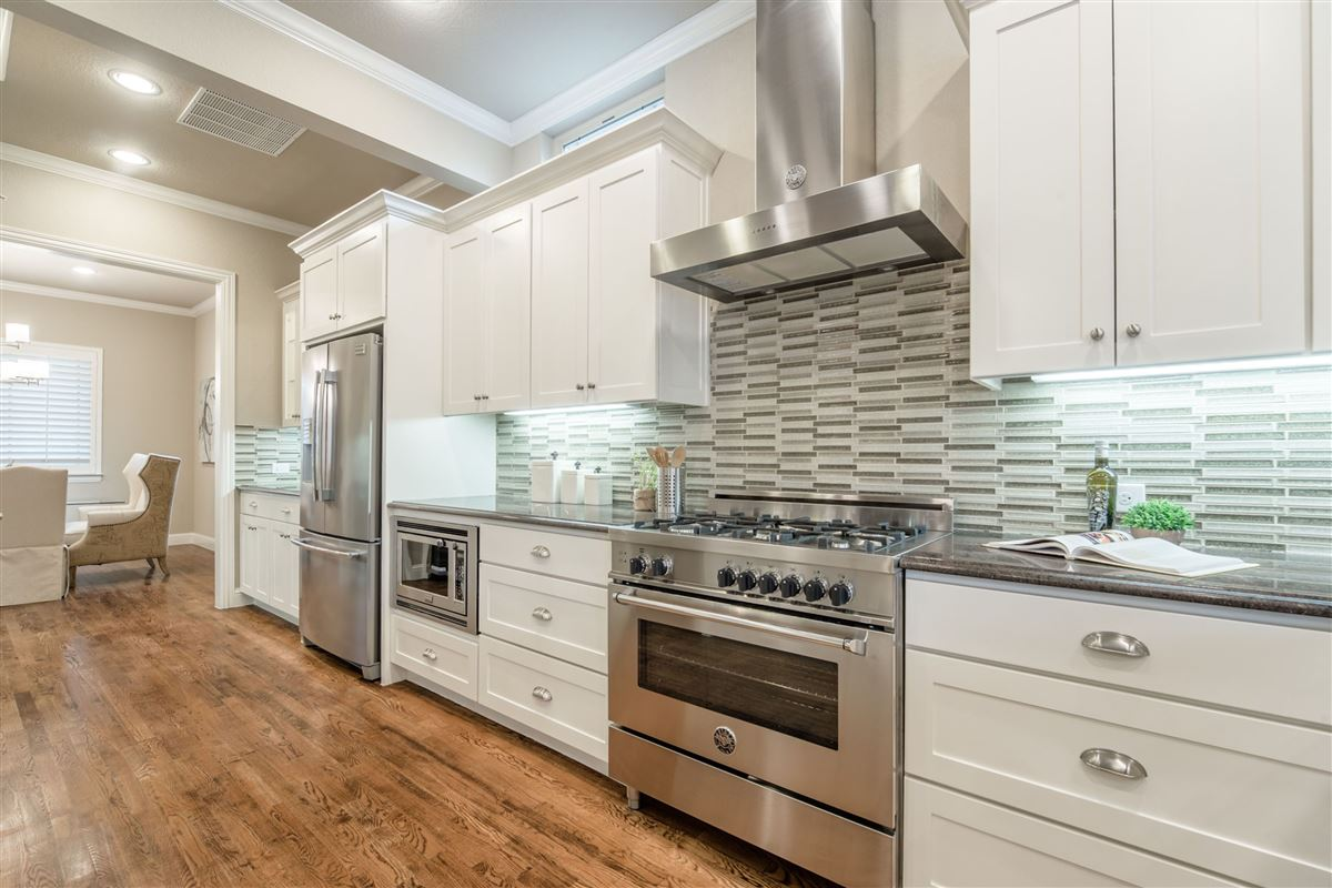 Elegant, energy star rated Craftsman home luxury properties