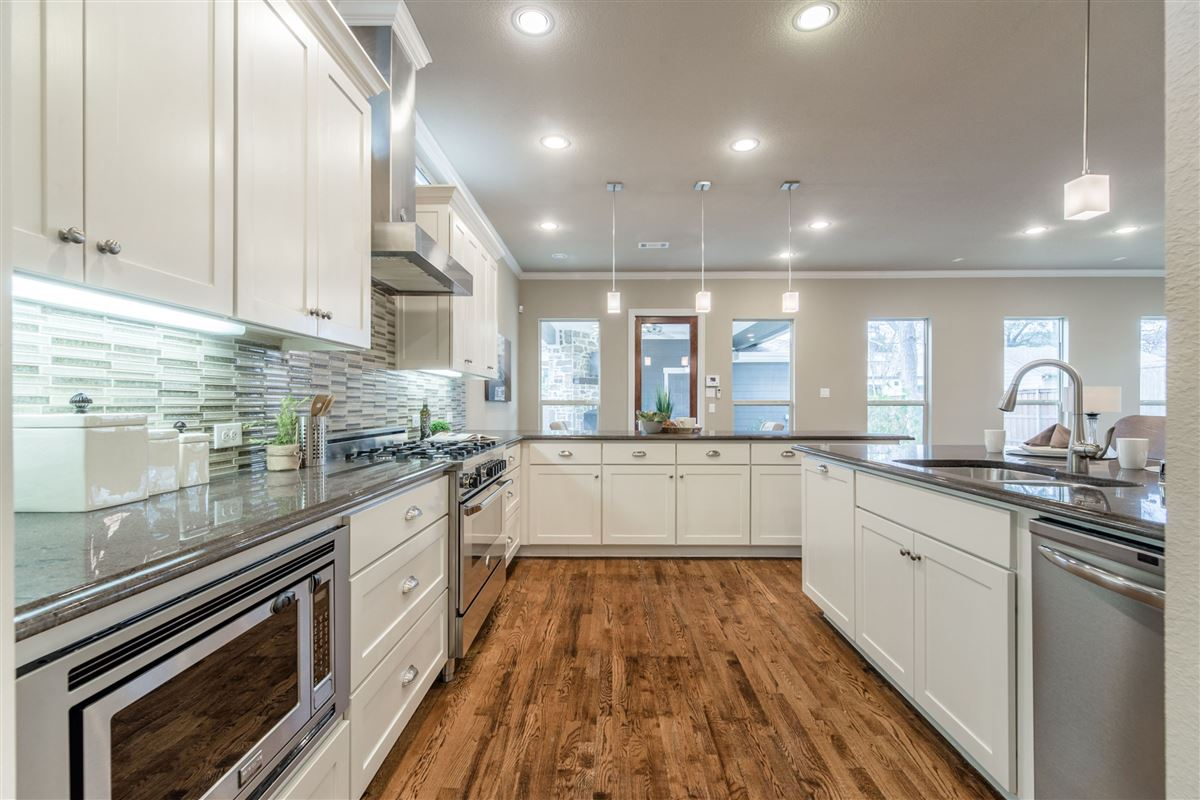 Mansions Elegant, energy star rated Craftsman home