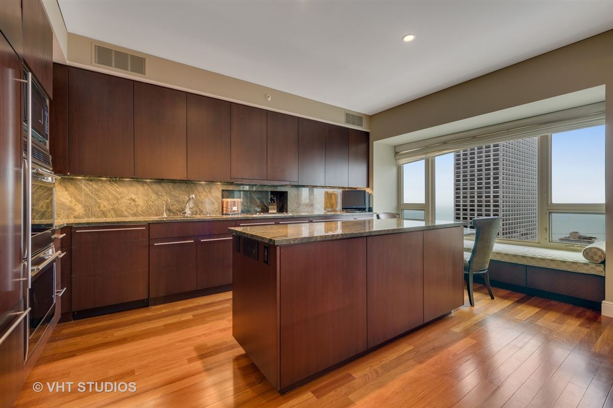 Luxury real estate 48th floor rental at the iconic Park Tower