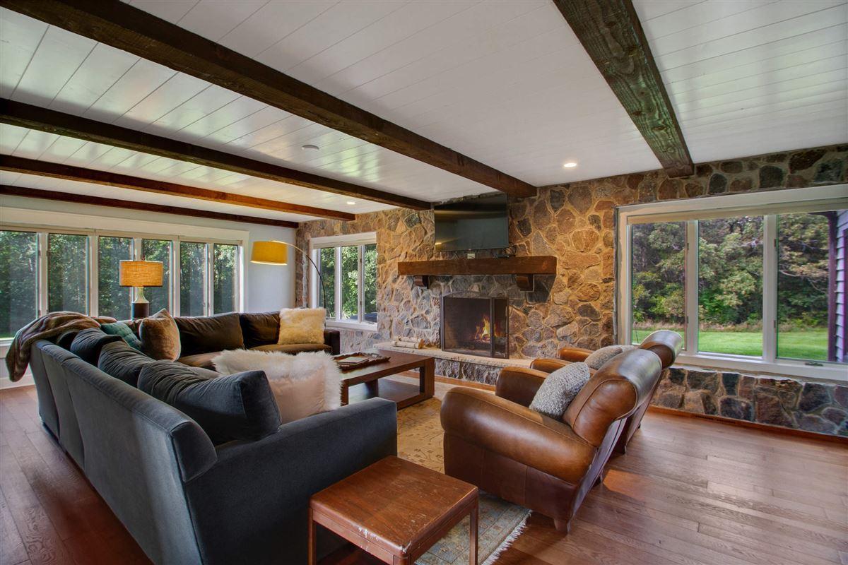 Luxury properties Enchanting woodland estate