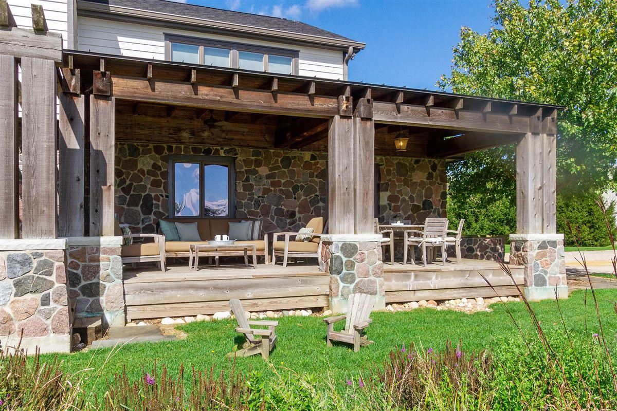 Luxury homes Enchanting woodland estate