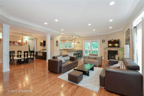 Luxury homes wonderful home with a lovely bright and open floor plan