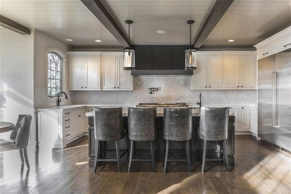 Luxury homes in St. Charles most private, sought after street