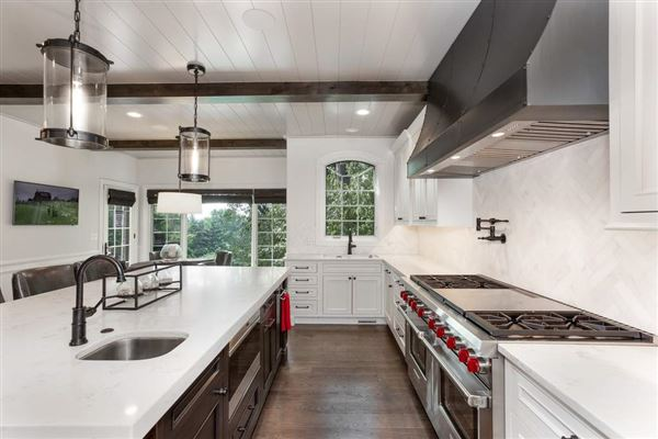 Mansions in St. Charles most private, sought after street