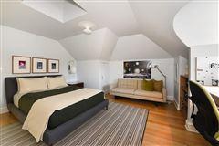 prime East Wilmette home luxury homes