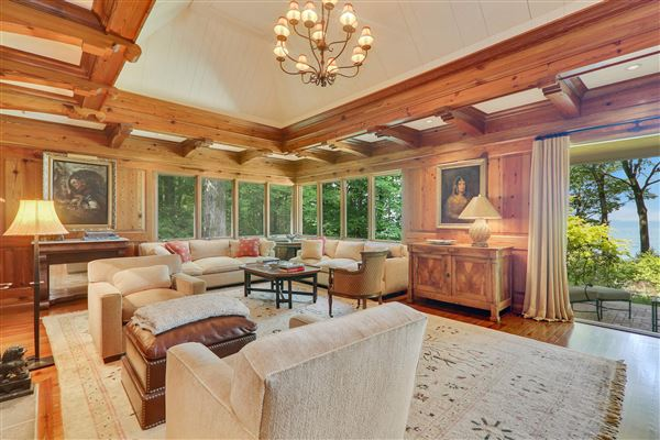 Luxury homes unobstructed lake front property