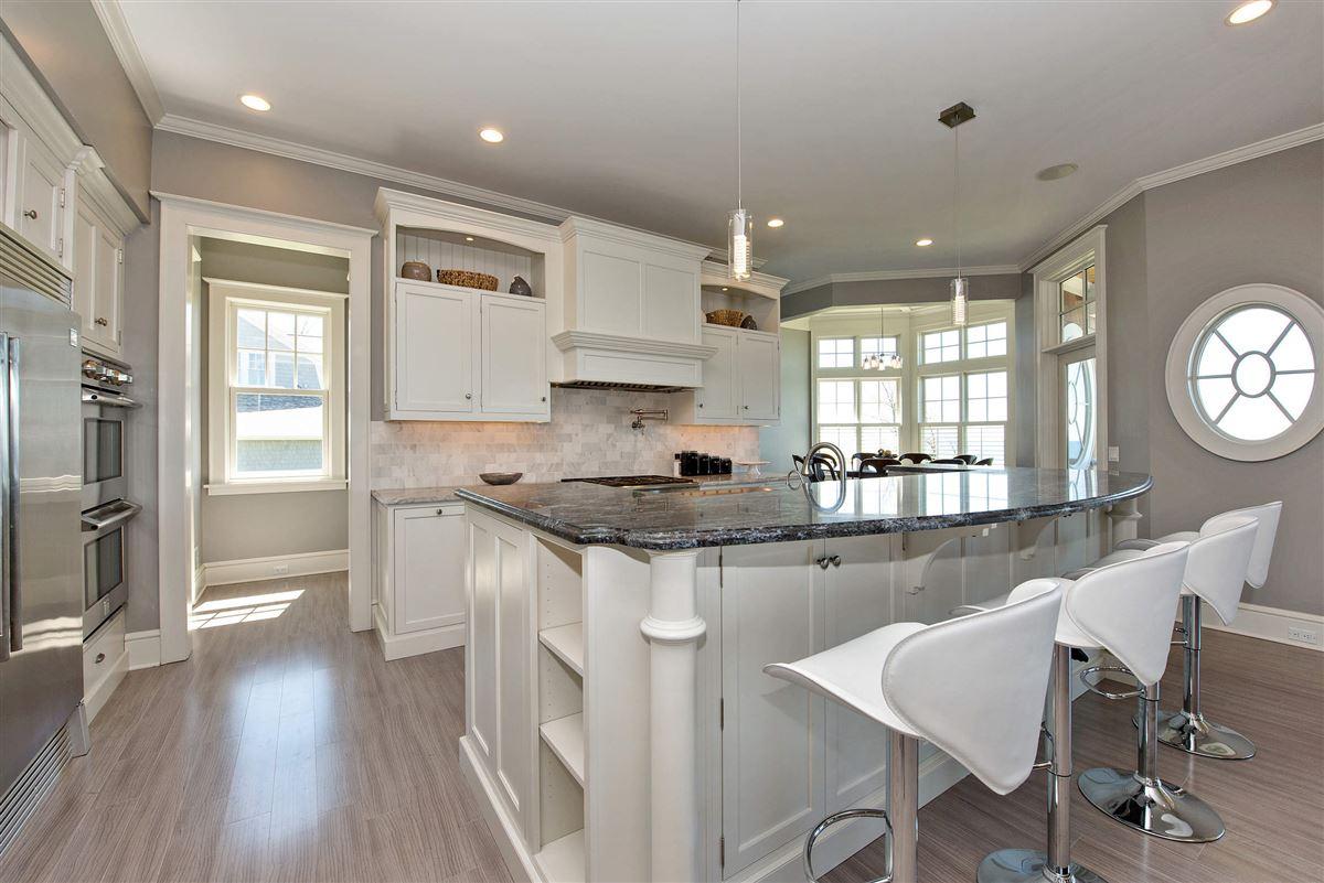 Luxury homes Stunning Lake Michigan Hamptons Style home