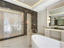 Luxury real estate Pure elegance in the gold coast