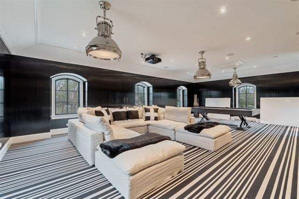 Luxury homes Fantastic newer home
