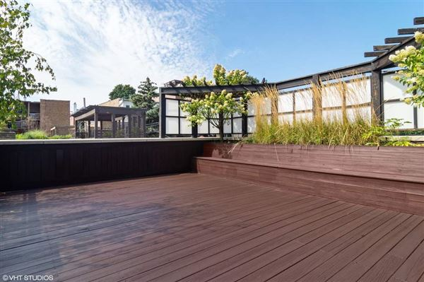 Sundrenched six bedroom in the Southport Corridor luxury homes