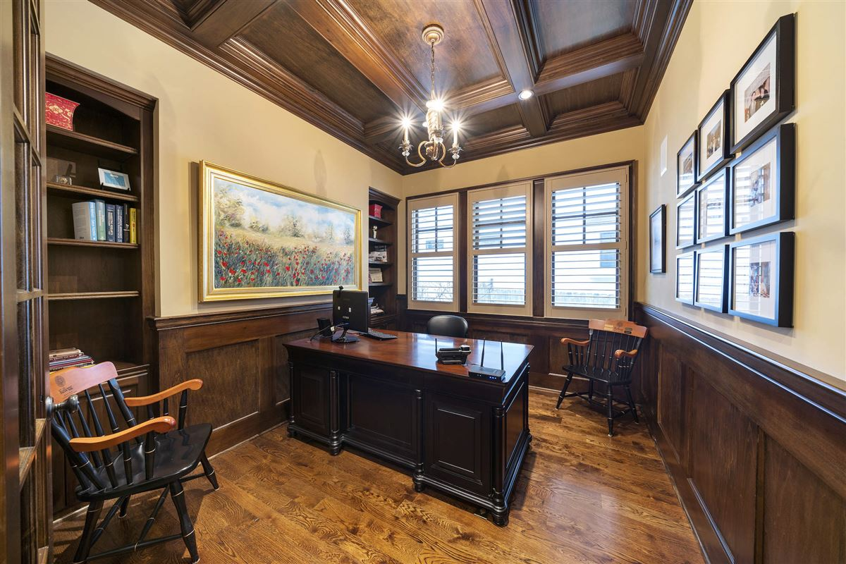 Luxury homes in Exceptional hinsdale luxury home