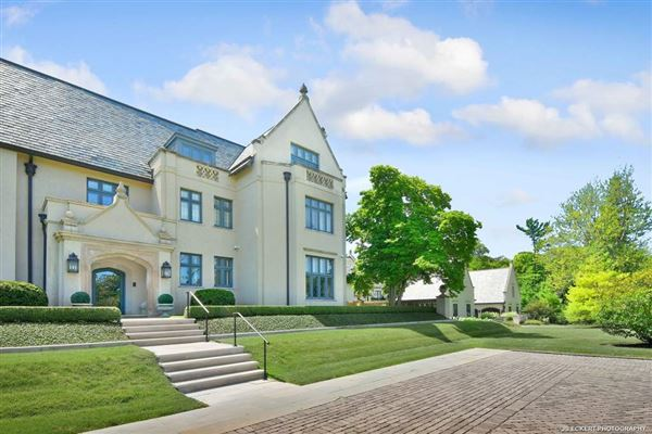 Mansions in Exquisite beyond compare