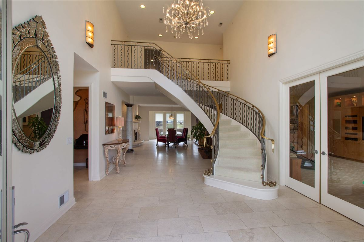 private luxurious masterpiece luxury homes
