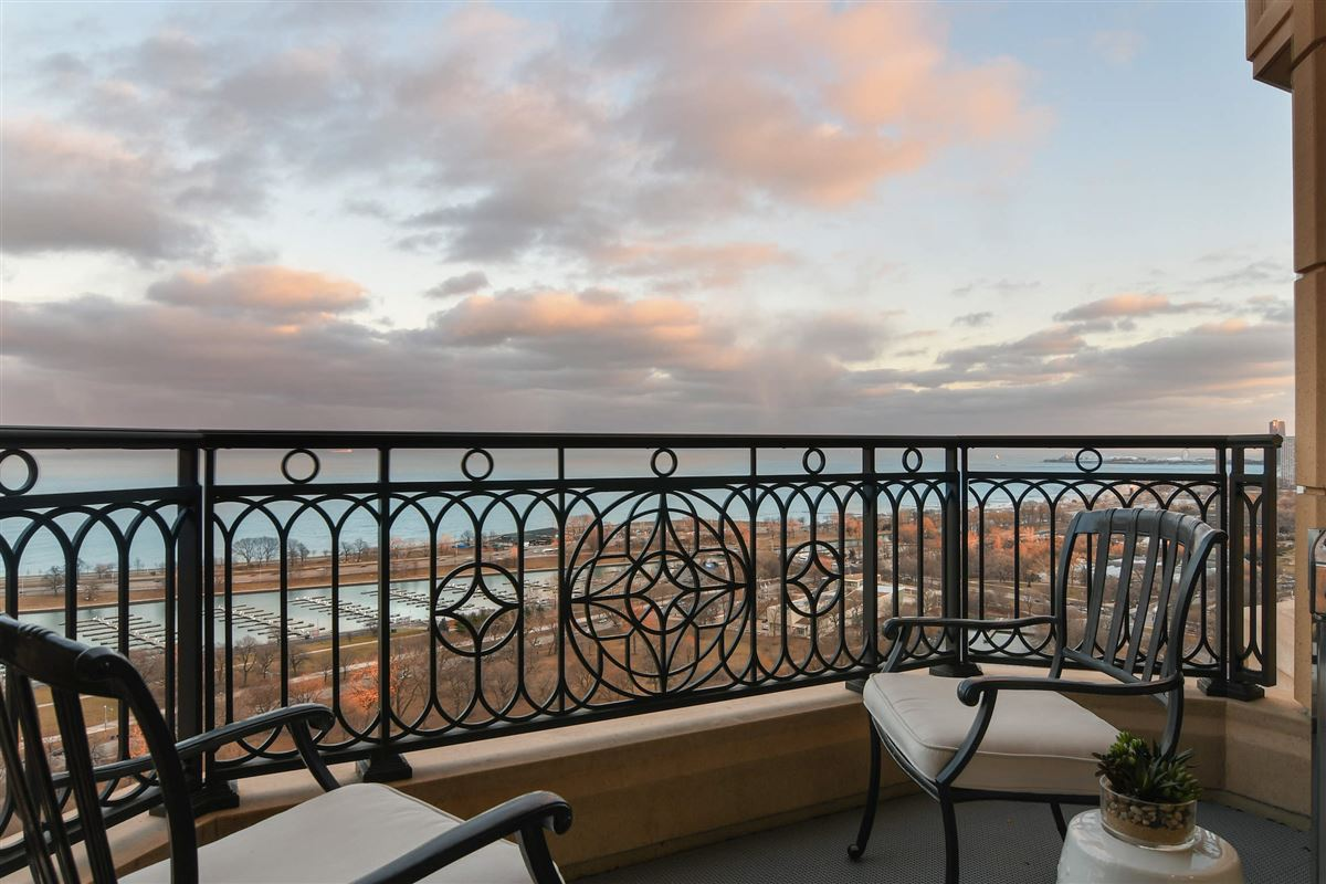 gorgeous penthouse with unmatched views luxury real estate