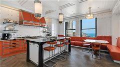 Luxury homes in Full-floor Art Deco masterpiece