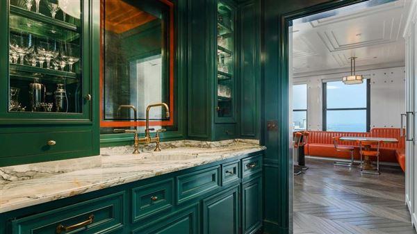 Luxury real estate Full-floor Art Deco masterpiece