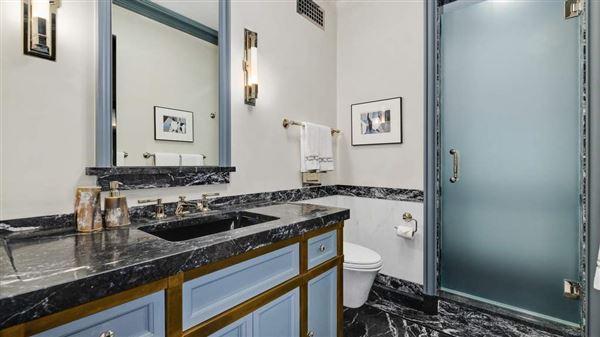 Luxury homes Full-floor Art Deco masterpiece
