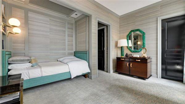 Full-floor Art Deco masterpiece luxury homes