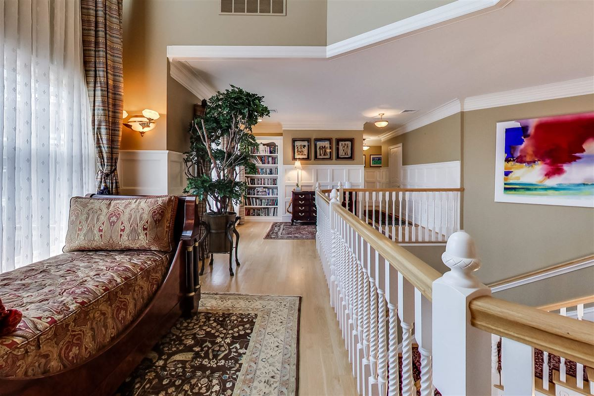 Luxury homes Magnificent residence with expansive views