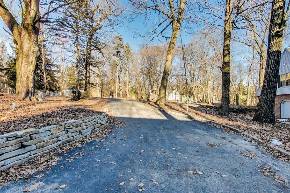 stunning delavan lake lakefront home on 8.75 acres luxury homes
