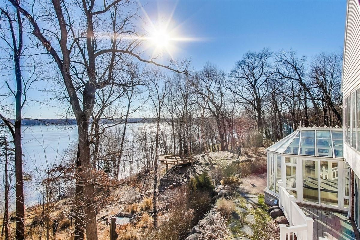 stunning delavan lake lakefront home on 8.75 acres luxury real estate