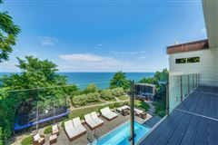 Mansions in Stylish Lake Michigan home with spectacular views