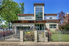 Luxury homes Stylish Lake Michigan home with spectacular views