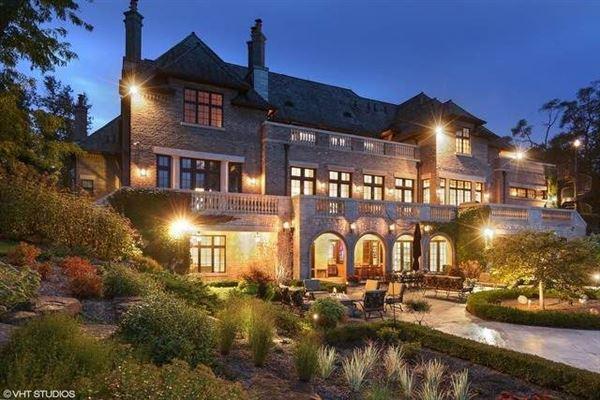 beautiful lakeside estate luxury homes