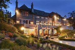 Mansions in beautiful lakeside estate