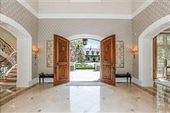 Luxury homes beautiful lakeside estate