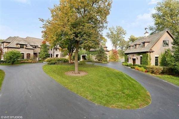 Luxury real estate beautiful lakeside estate