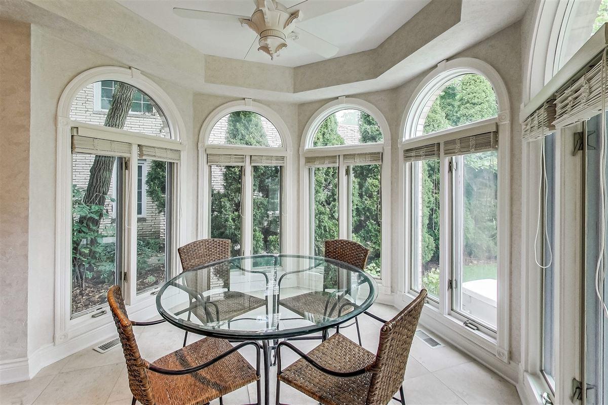 Luxury properties elegant home in Devonshire