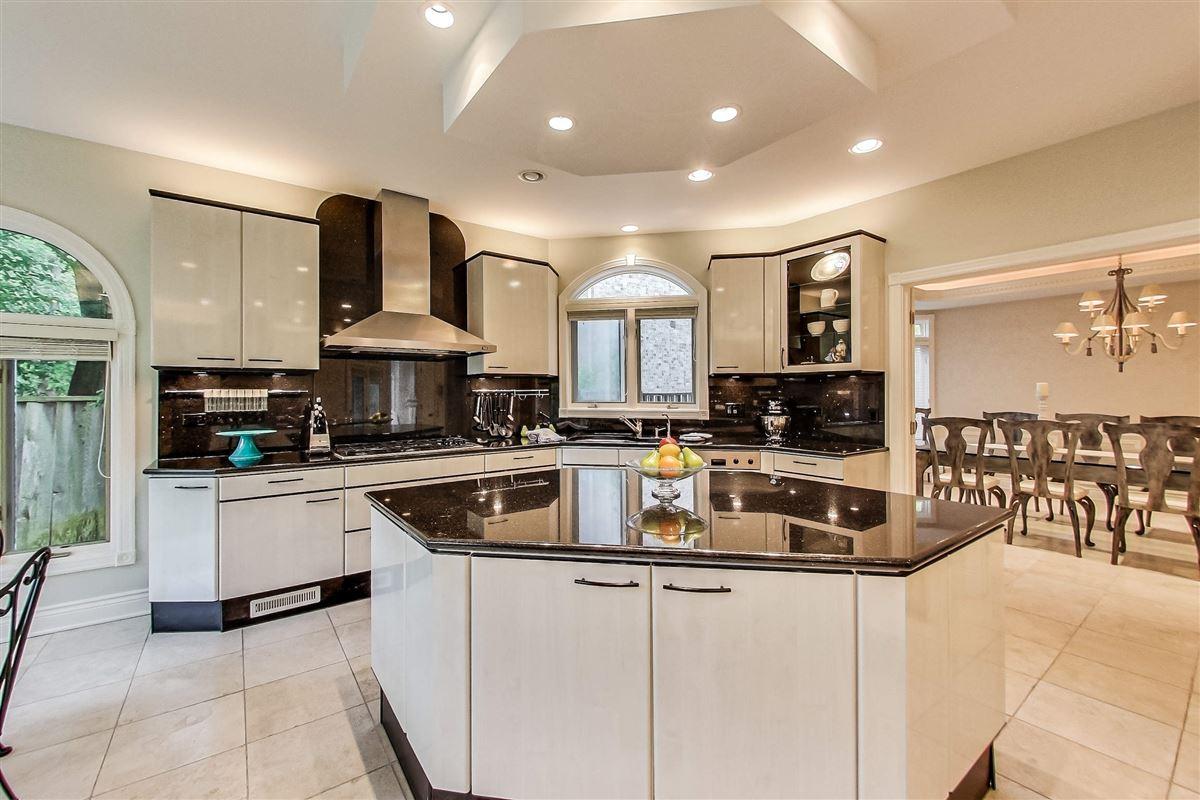 Luxury homes elegant home in Devonshire