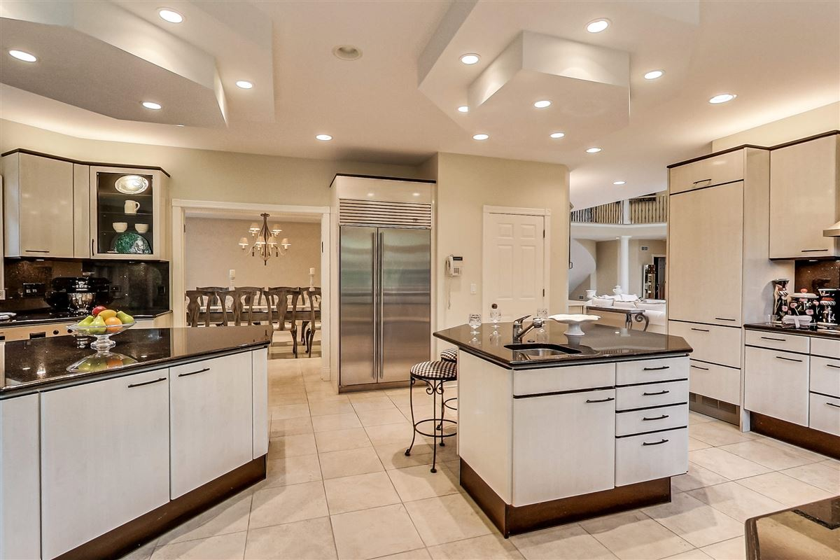Luxury real estate elegant home in Devonshire